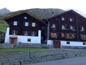 11_Häuser in Crestaf_IMG_1168