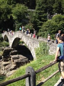 2017_07_Verzascatal_Steinbrücke Lavertezzo